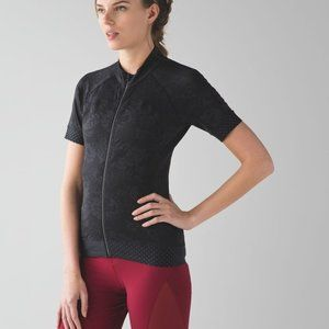 *NWT* Lululemon Leader of the Pack Jersey Top